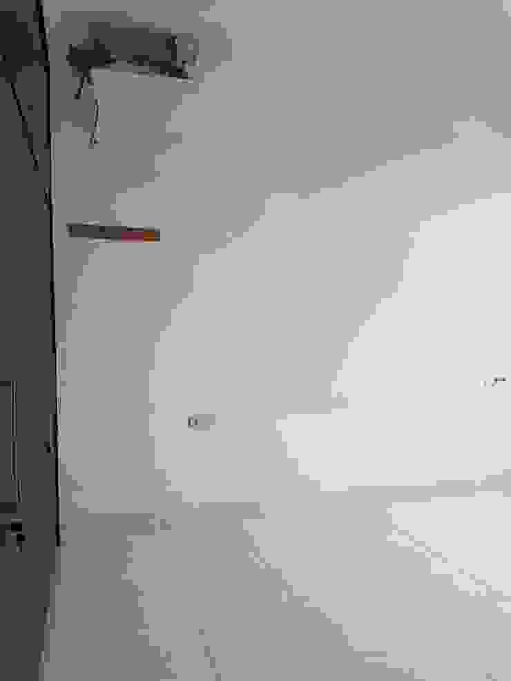 Sebelum Oleh INTERIORES - Interior Consultant & Build