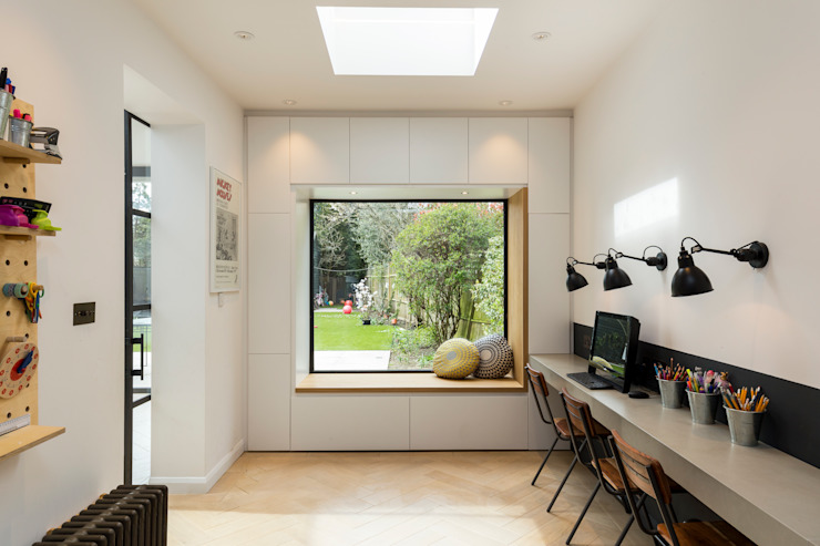 study:  Study/office by VCDesign Architectural Services,