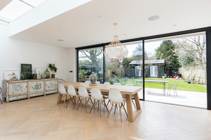 Parke Rd Barnes:  Dining room by VCDesign Architectural Services,