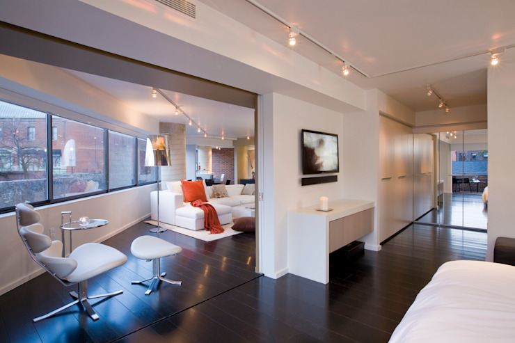 Flat on the Georgetown Canal Modern Bedroom by FORMA Design Inc. Modern