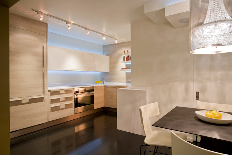 Flat on the Georgetown Canal Modern Kitchen by FORMA Design Inc. Modern