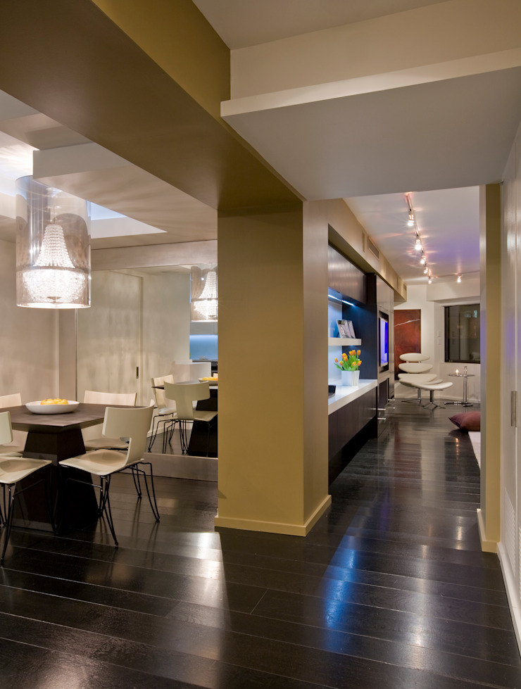 Flat on the Georgetown Canal Modern Corridor, Hallway and Staircase by FORMA Design Inc. Modern