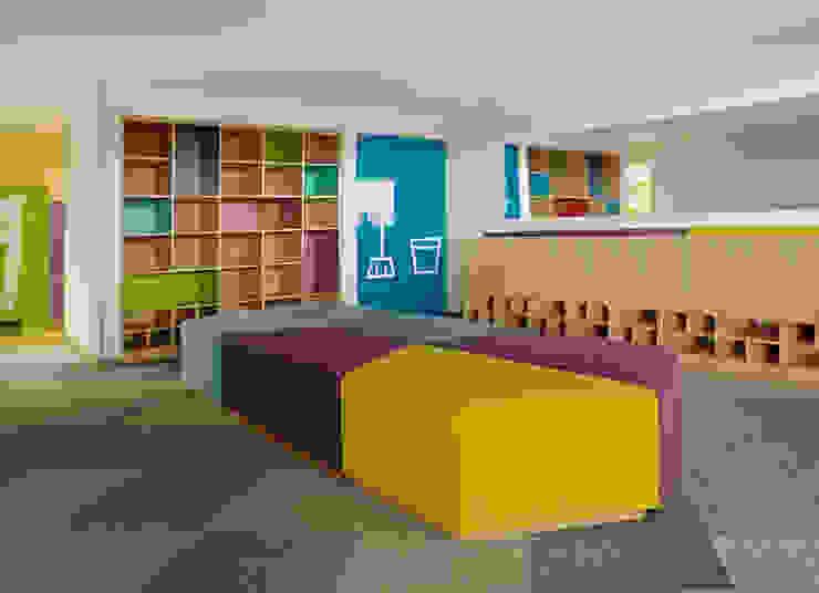 CHANGING ROOM Gimnasios domésticos de estilo moderno de MDV Arquitectura Moderno