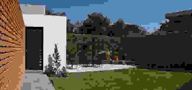 Jardines de estilo  de MAAS Arquitectura & Diseño,