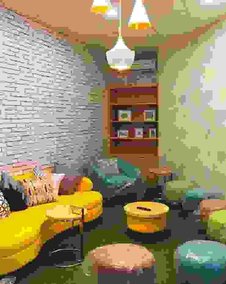 IDEO DESIGNWORK Paredes y suelos de estilo minimalista