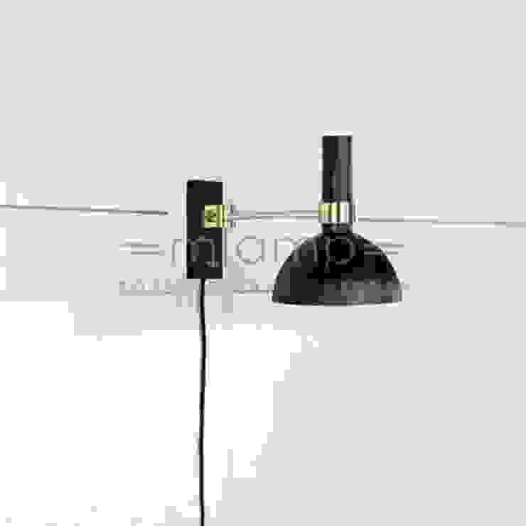 Lampa ścienna LARRY od Mlamp Klasyczny Matal