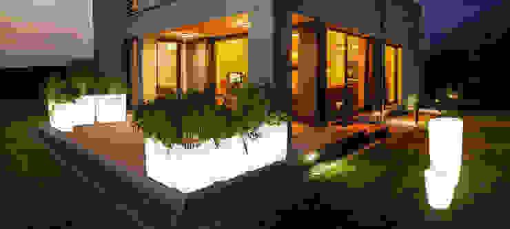 Lampa ogrodowa FLOWERPOT od Mlamp Nowoczesny