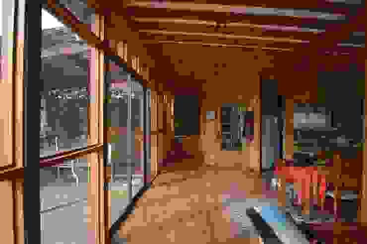 Casa Ecológica en Olmué Livings de estilo rústico de Nido Arquitectos Rústico