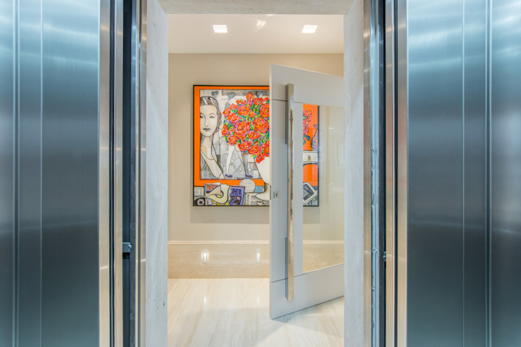 Modern corridor, hallway & stairs by Chris Brasil Arquitetura e Interiores Modern