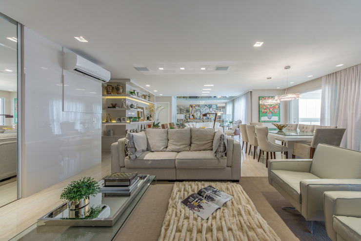 غرفة المعيشة تنفيذ Chris Brasil Arquitetura e Interiores, حداثي