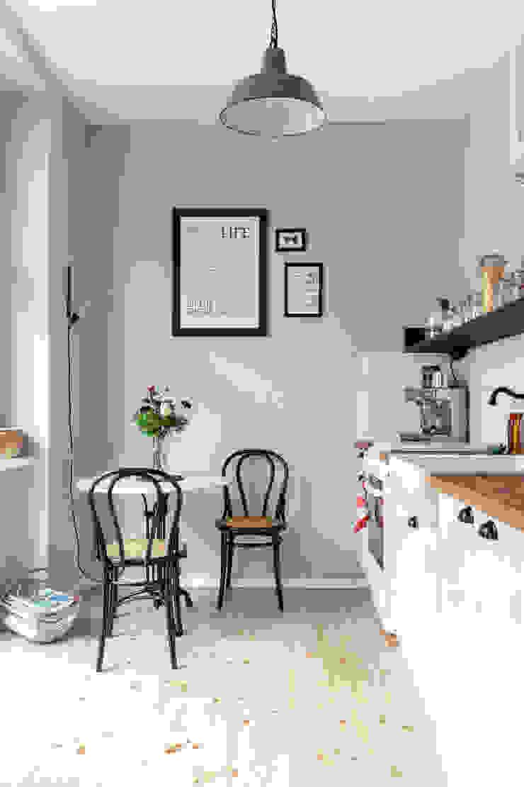 Cocinas de estilo escandinavo de Kathy Kunz Interiors Escandinavo