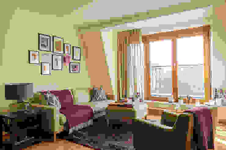 غرفة المعيشة تنفيذ Kathy Kunz Interiors, كلاسيكي