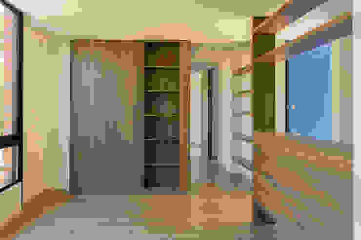 MULTIFAMILIAR INTERIOR 8 Salas modernas de ENSAMBLE de Arquitectura Integral Moderno