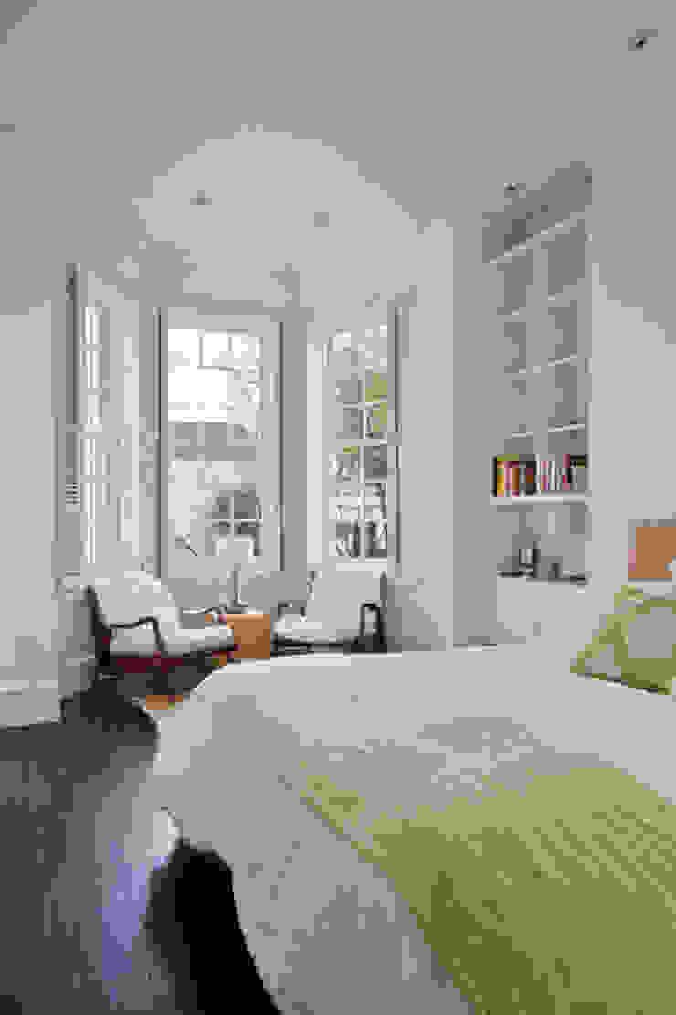 California Casual in Georgetown Modern Bedroom by FORMA Design Inc. Modern