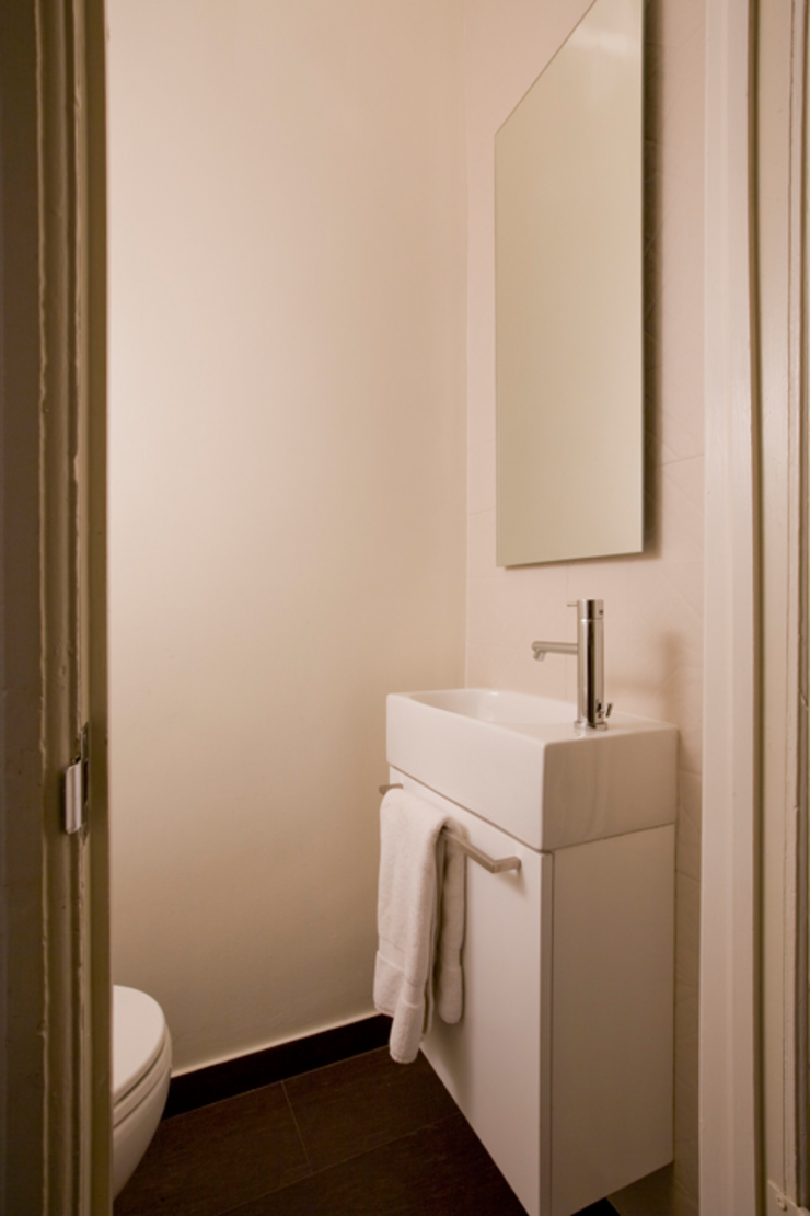 California Casual in Georgetown Modern Bathroom by FORMA Design Inc. Modern