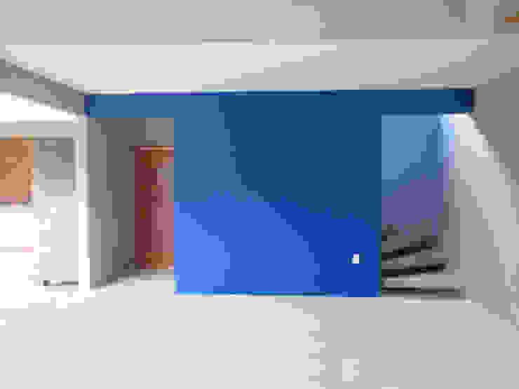 A+R arquitetura Koridor & Tangga Gaya Rustic Kayu Blue