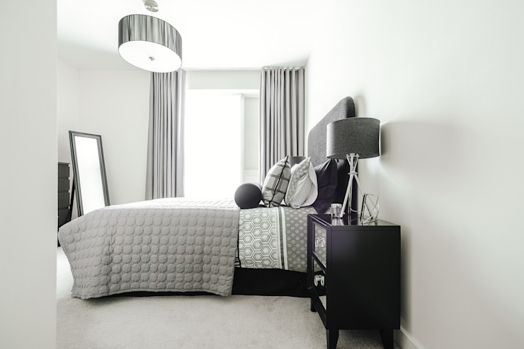 Guest Bedroom Modern style bedroom by Katie Malik Interiors Modern