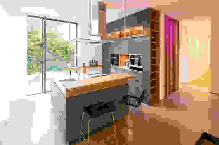 現代廚房設計點子、靈感&圖片 根據 DIEPENBROEK I ARCHITEKTEN 現代風