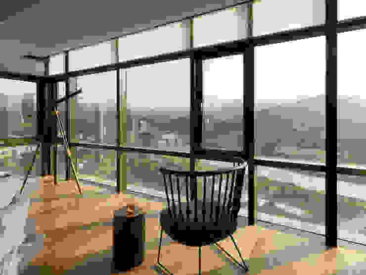 思路 延伸 Sense of Meditation 现代客厅設計點子、靈感 & 圖片 根據 禾築國際設計Herzu Interior Design 現代風