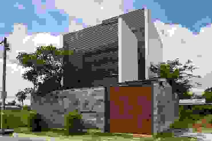 M11 House bởi a21studĩo Hiện đại