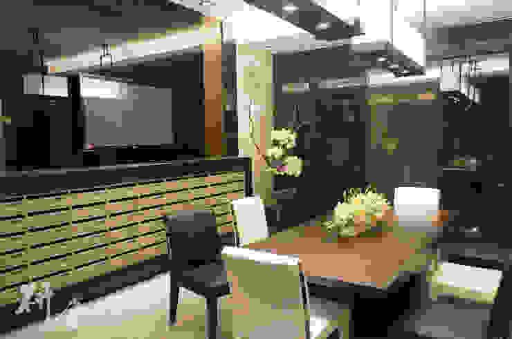 新北-美學CEO景觀及公設設計 現代風玄關、走廊與階梯 根據 研舍設計股份有限公司 現代風