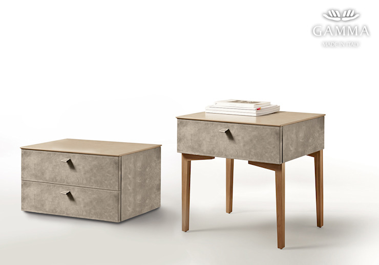 homify BedroomBedside tables Leather