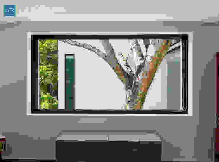 Fenêtres en PVC de style  par AR STUDIO,