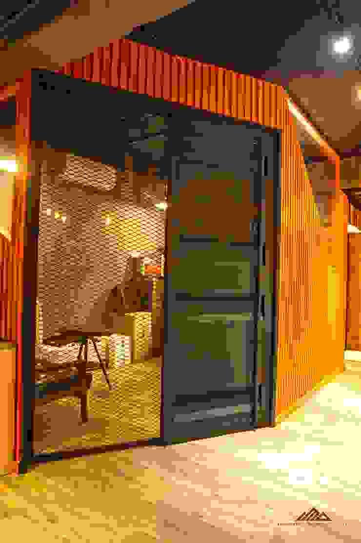 個性辦公室設計 infamous office 根據 千屹設計有限公司 工業風