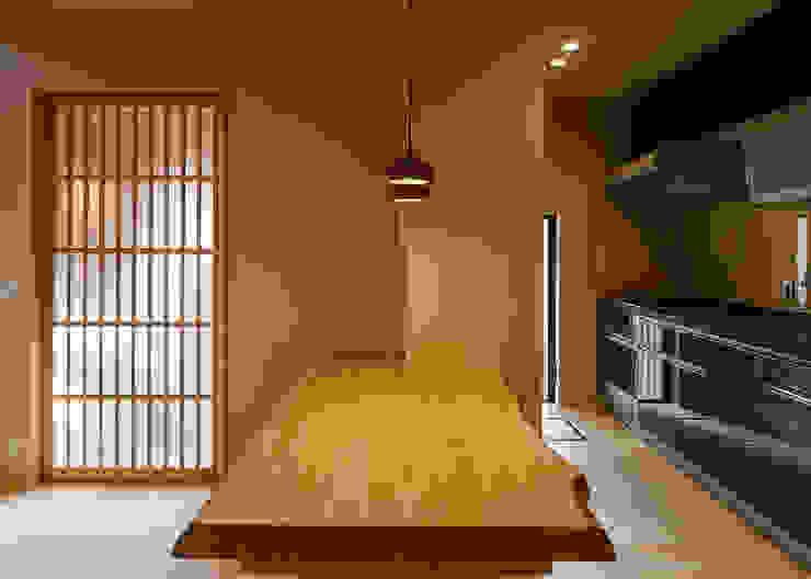 傳寶慶子建築研究所 Eclectic style dining room