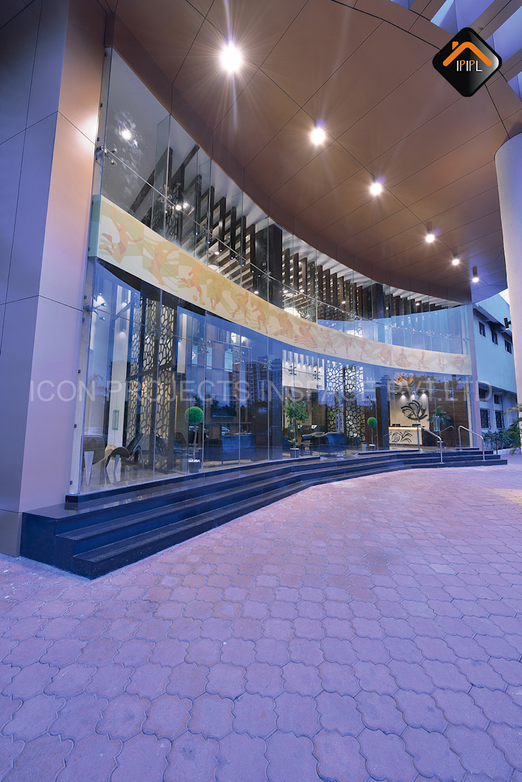 Facade Modern bars & clubs by ICON PROJECTS INSPACE PVT.LTD Modern