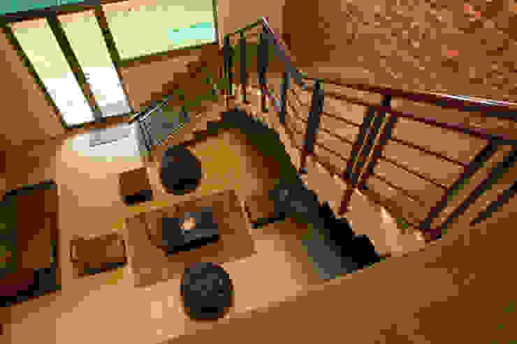 Bungalow- Lavasa Modern corridor, hallway & stairs by Aesthetica Modern