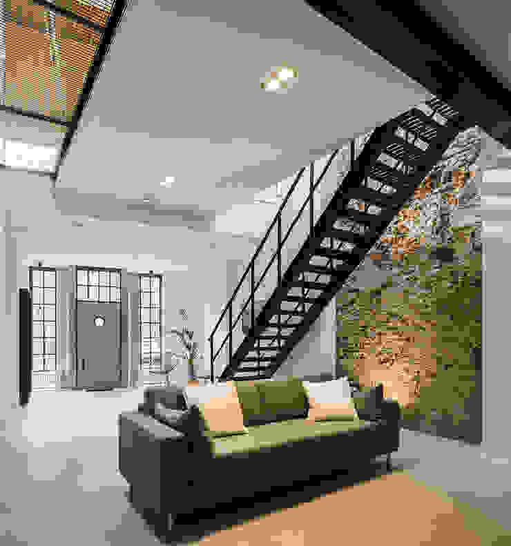 EVA architecten Ruang Keluarga Modern