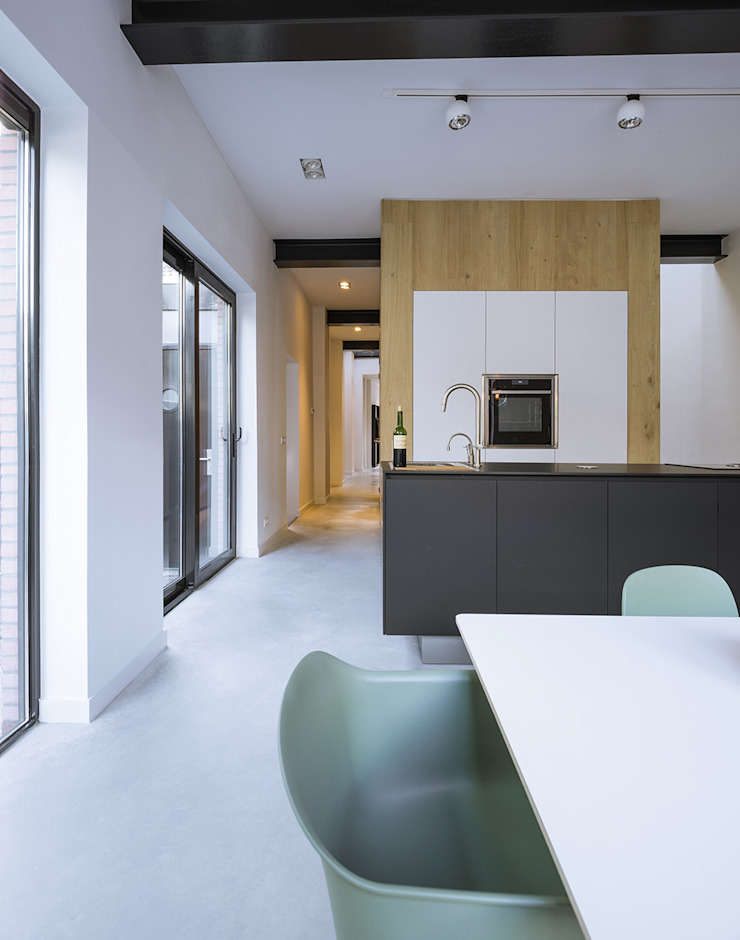Loft Sixty-Four Moderne keukens van EVA architecten Modern