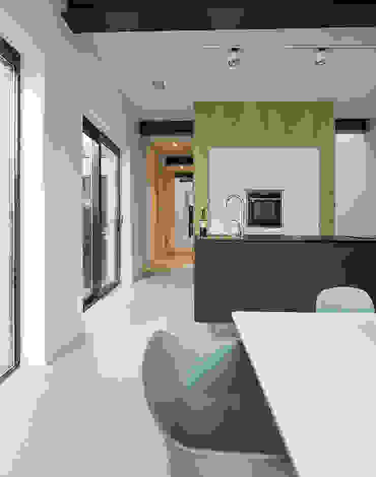 EVA architecten Dapur Modern
