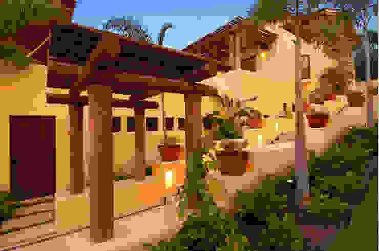 vista lateral de fachada foto de arquitectura Villas Hormigón Amarillo