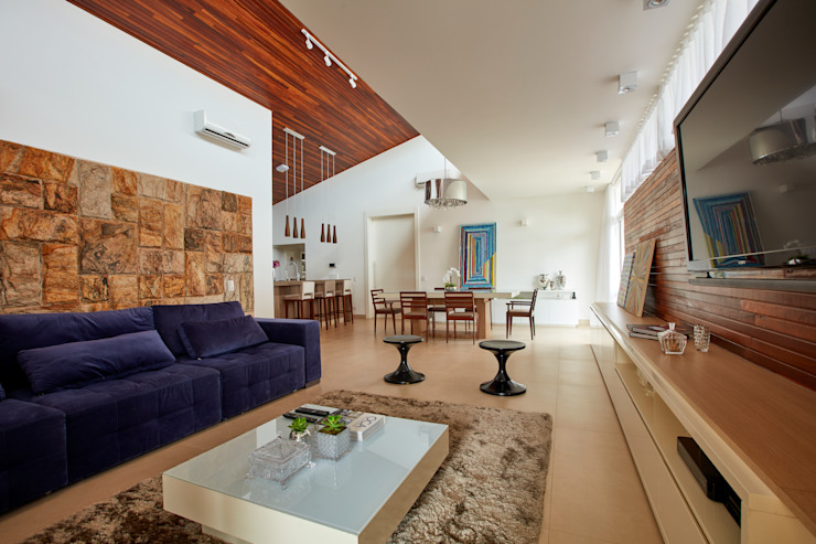 Living room by grupo pr | arquitetura e design, Modern