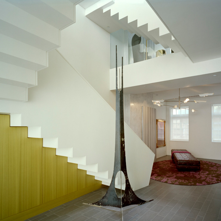 West Village Brownstone, New York, NY Eclectic style corridor, hallway & stairs by BILLINKOFF ARCHITECTURE PLLC Eclectic