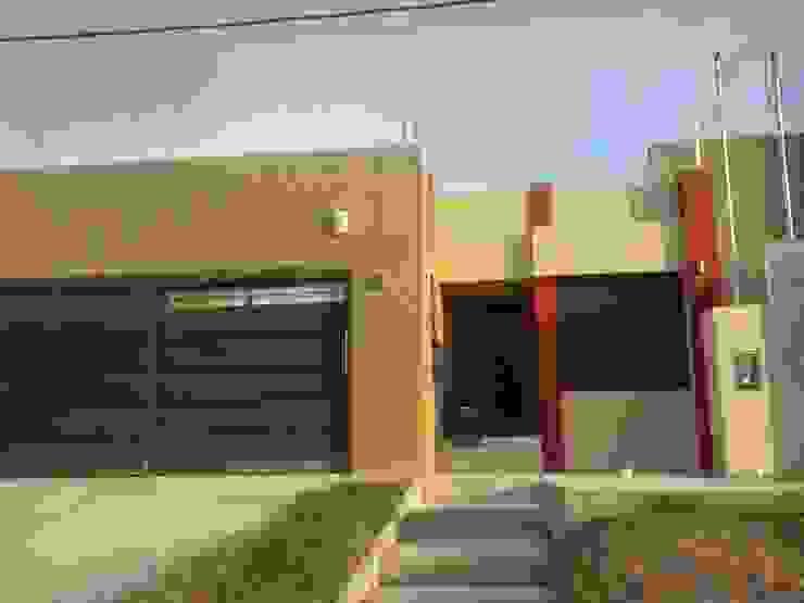 Estudio Punto y Linea 現代房屋設計點子、靈感 & 圖片
