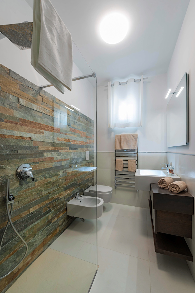 Mediterranean style bathrooms by Angelo De Leo Photographer Mediterranean Slate