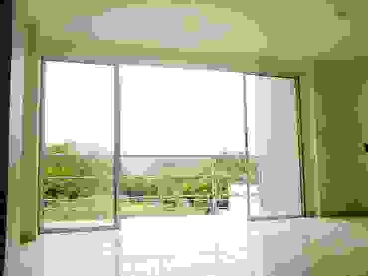 Salas de estilo minimalista de ARKETIPO diseño + construccion Minimalista