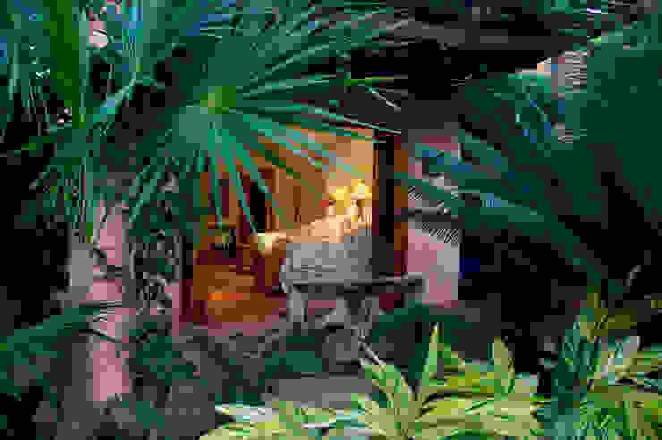 fotógrafo profesional de Arquitectura en México foto de arquitectura Dormitorios de estilo tropical Hormigón Verde