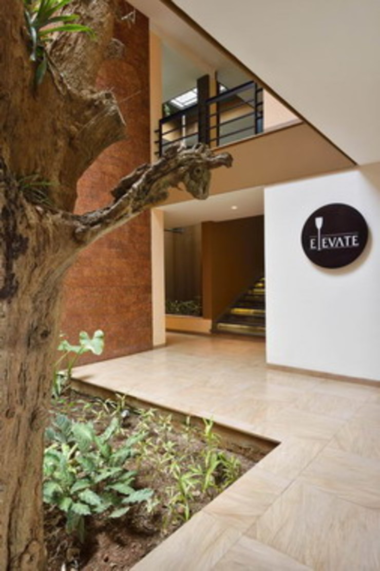Elevate Bar- Entrance Studio - Architect Rajesh Patel Consultants P. Ltd Hotels