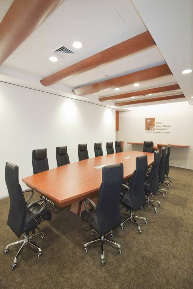 Conference Room by Studio - Architect Rajesh Patel Consultants P. Ltd Modern