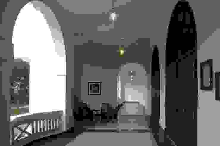 Lobby/ Seating Modern schools by Studio - Architect Rajesh Patel Consultants P. Ltd Modern