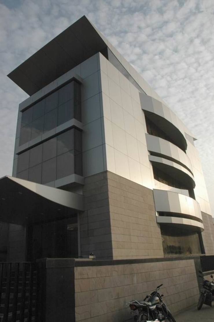 JMD Corporate Office by Studio - Architect Rajesh Patel Consultants P. Ltd Modern