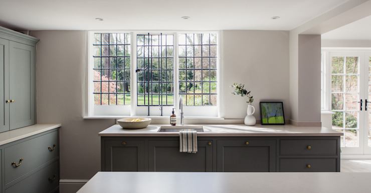 Georgian House Renovation and extension:  Kitchen by HollandGreen,