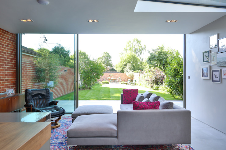 Kitchen extension and Renovation in Thame, Oxfordshire Modern living room by HollandGreen Modern