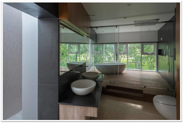 Simple Zen Bathroom Overlooking Nature homify Scandinavian style bathroom Wood Wood effect