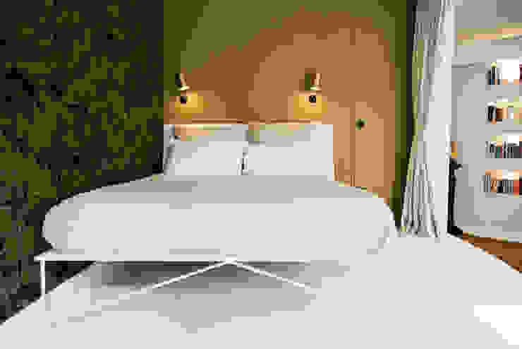 THE INNER HOUSE モダンスタイルの寝室 緑