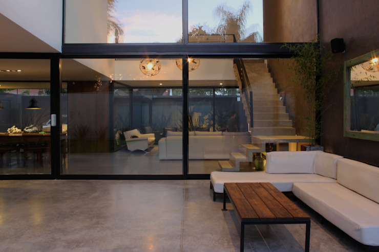 โดย DUA Arquitectos โมเดิร์น